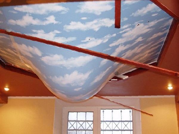 что делать если затопило потолок