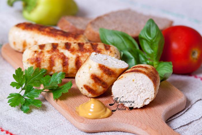 Домашние куриные сосиски в пищевой пленке с фото