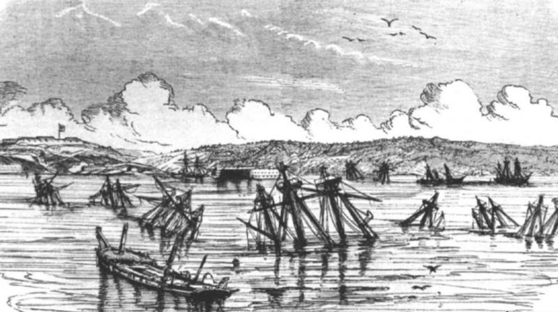 Флот на дне Севастопольской бухты (есть ее оригинал, но лень сканировать)