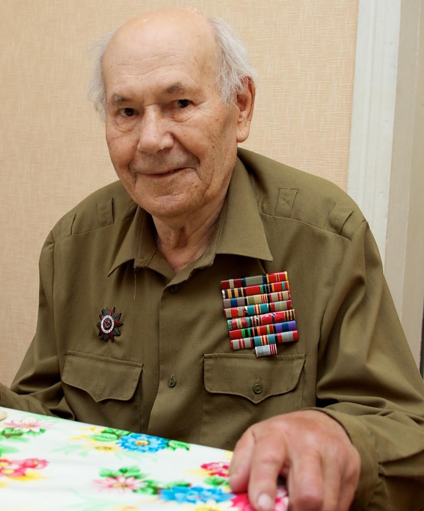 Ткаченко Василий Фёдорович (1919–2012), 9 мая 2012 г.