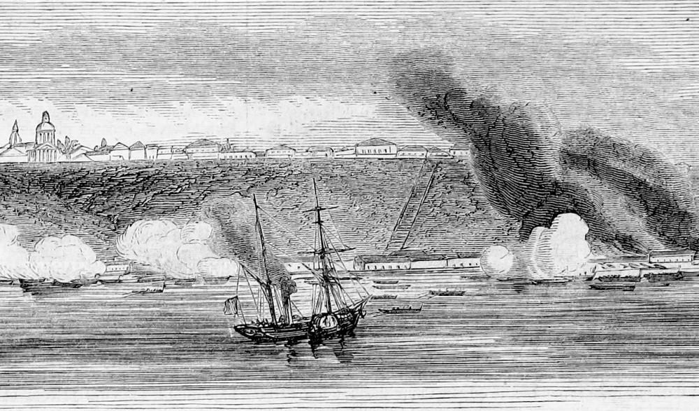 Обстрел Таганрога 22 мая (3 июня) 1855 года. Другой фрагмент гравюры Дюрана-Браже. Из личной коллекции автора.