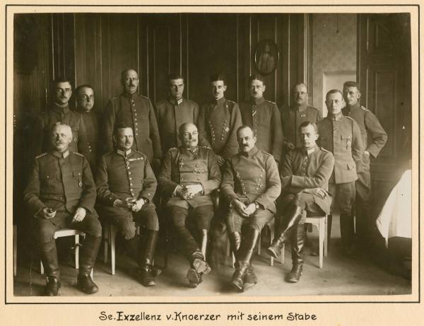 Кнерцер со своим штабом весной 1918.jpg