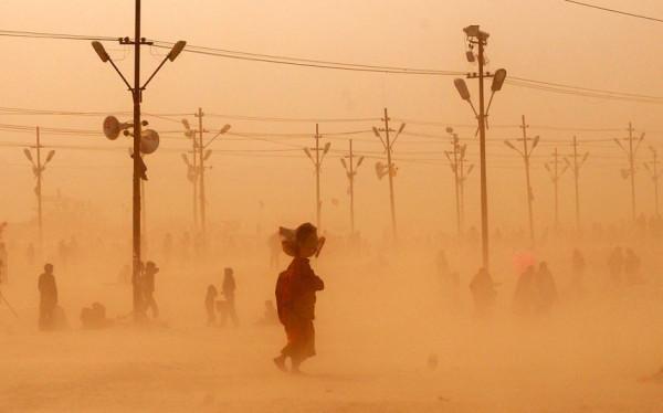 india-dust-storm_2472428k[1]