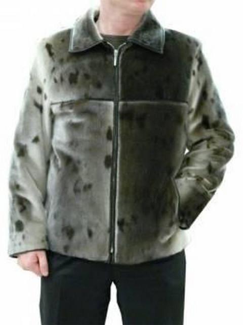 Куртки из нерпы более привычны для восприятия наших мужчин...