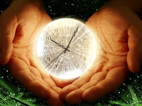 76121562_large_3649429_clock_1