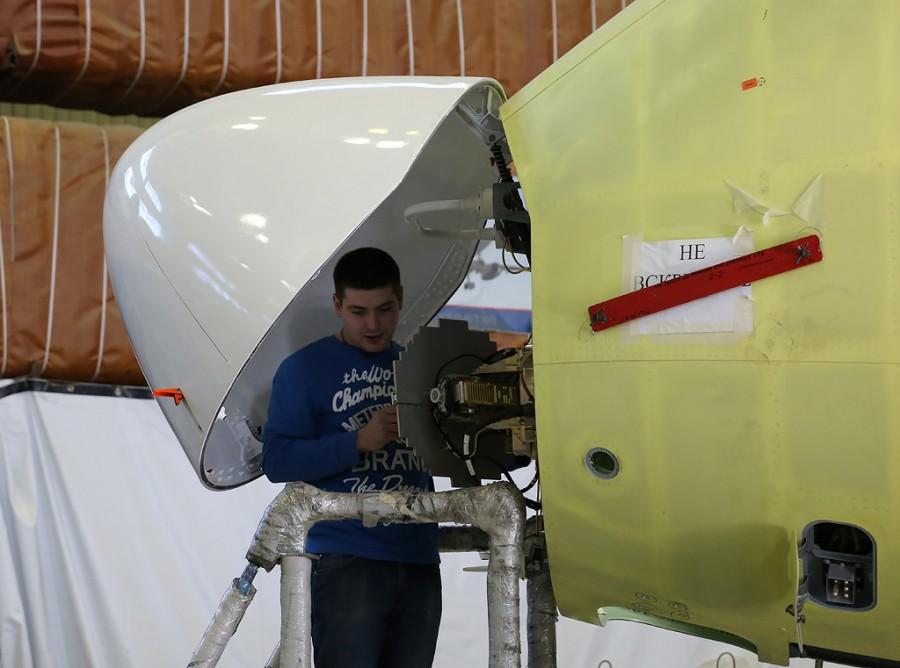 Dzemgi-sborka-SSJ95-95052-radar