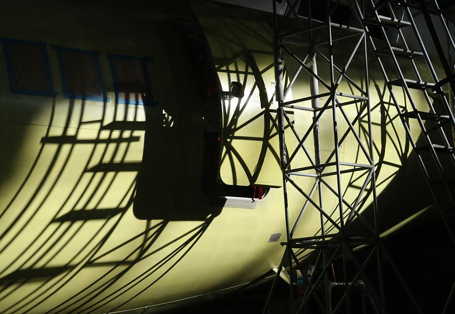Dzemgi-sborka-SSJ95-95052-shadows
