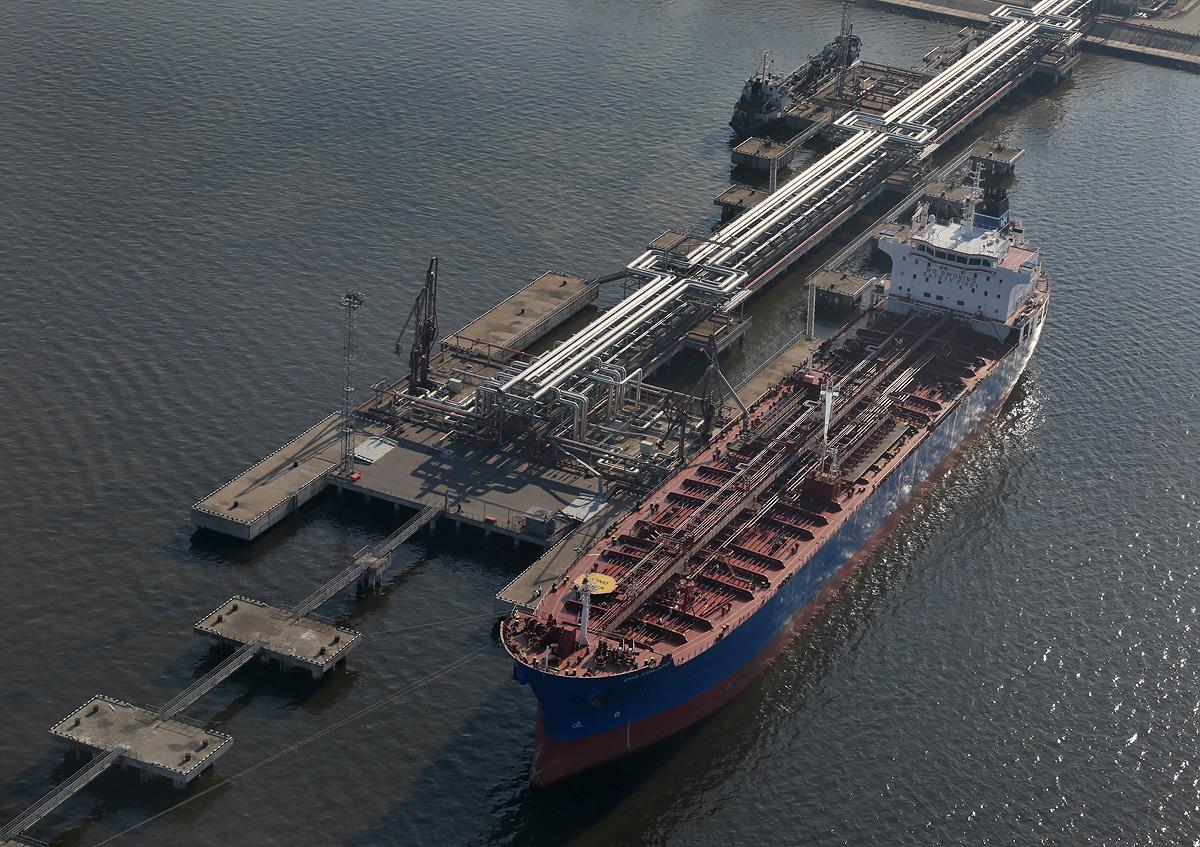above-SPb-seaport-oilport-tanker-CPO-Finland-2