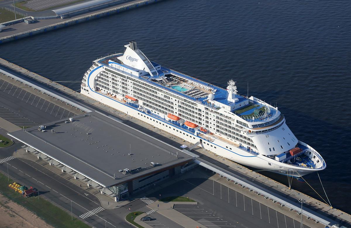 above-SPb-seaport-sevenseasvoyager-3