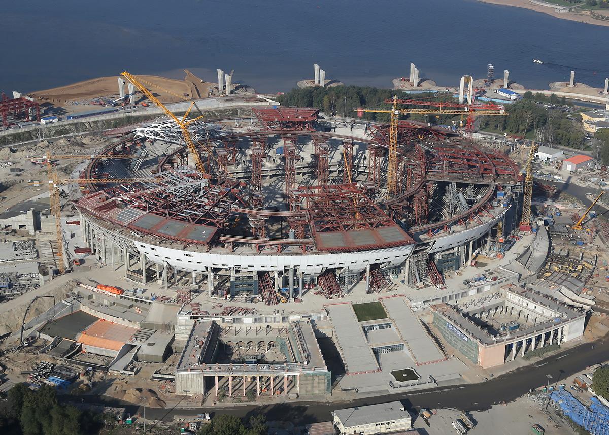 above-SPb-stadium-construction