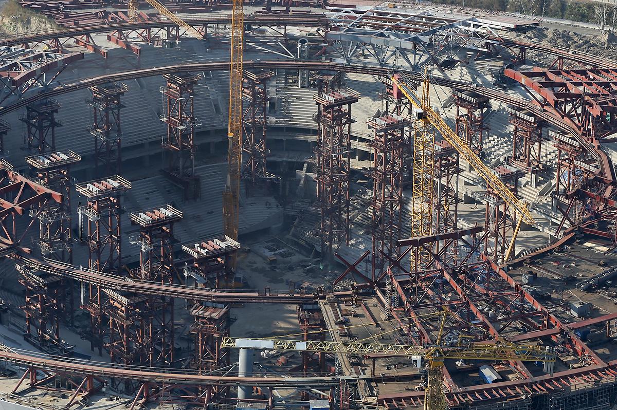 above-SPb-stadium-construction-2