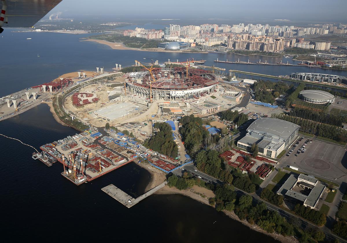 above-SPb-stadium-construction-4