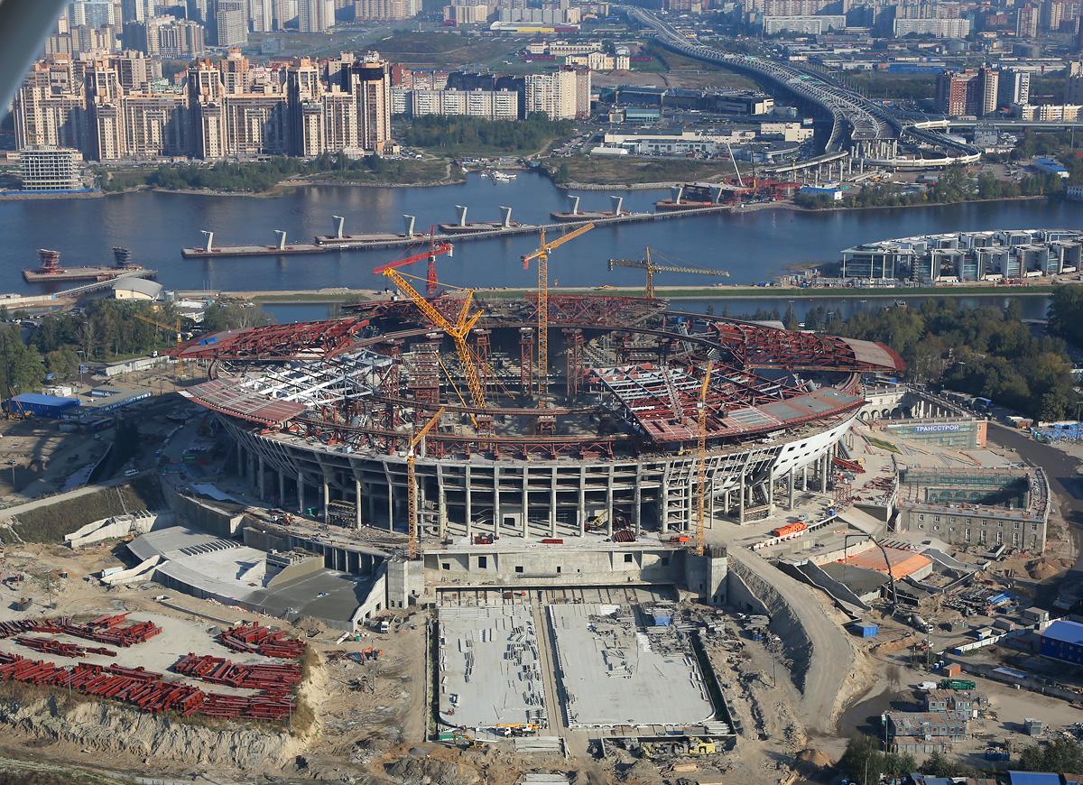 above-SPb-stadium-construction-5
