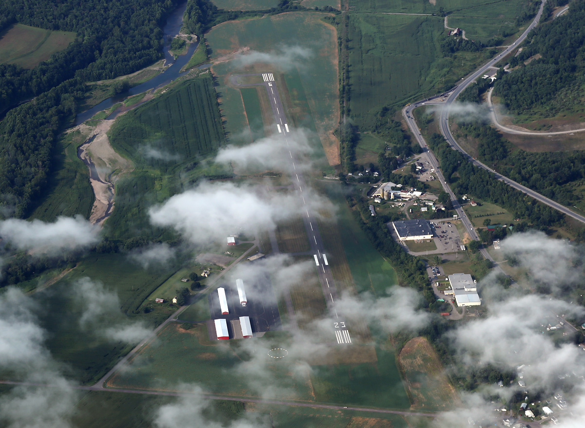 above-triptocanada-14-airfield