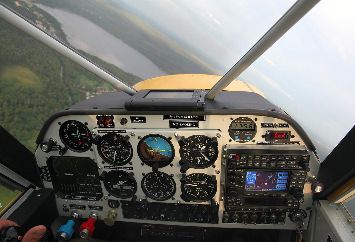 HuskyA1C-108-cockpit-lembolovolake