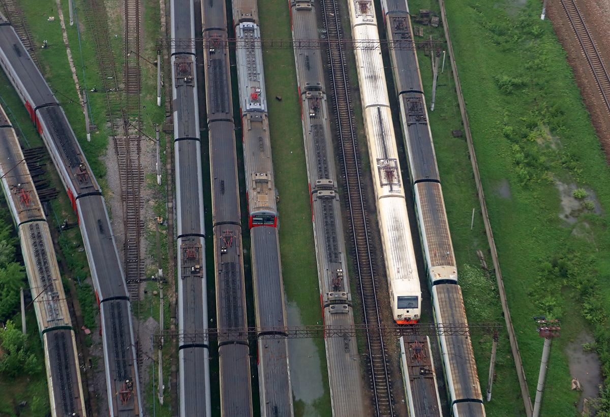 above-MosObl-Nakhabino-rail-3