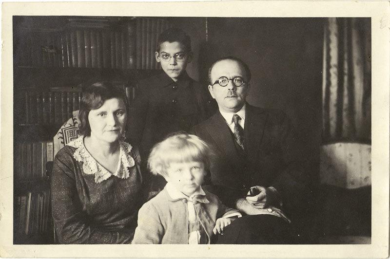 Б.В. Правдин в семье 1 янв 1931
