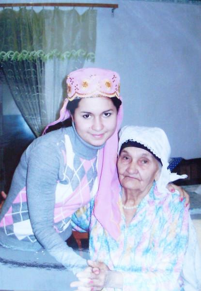 Рената с бабушкой