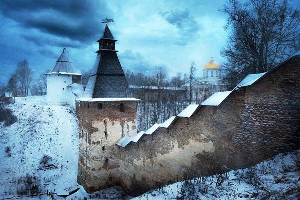 Пск Печерский монастырь зимой