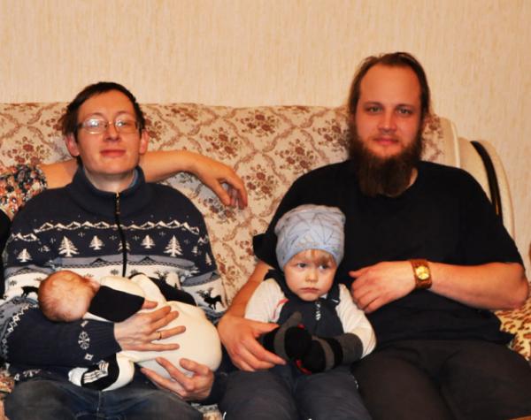 Стрелковы Павел (с детьми) и Федор февр 2016 вар