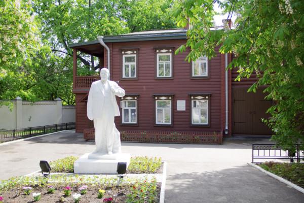 Дом-музей-Ленина-1-1024x683