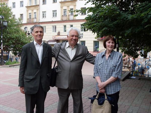 Самойлович М.И. (в центре) 2010 год