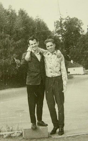 Катков Николай Иванович (справа) 1963