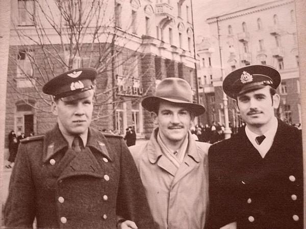 Рыбаков Рудольф (справа) Псков 1958