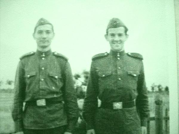 Егоров (справа) Полянин Костерево 1958