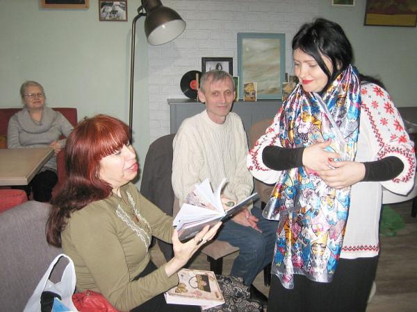 Елена Черняева и Лада Аюдаг (слева)
