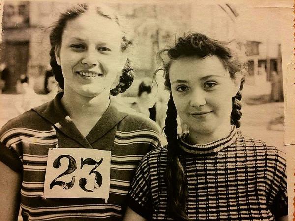 Наталья Смирнова и Белла Шарова 1957