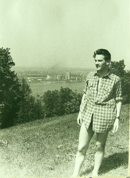 Егоров Геннадий у Оки 1958 год