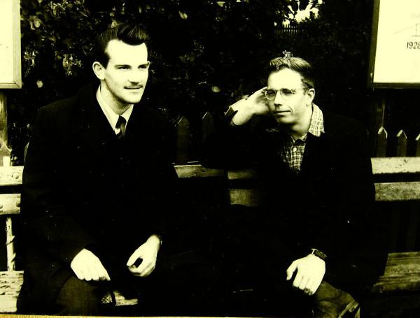 Антонов Валерий Фёдорович справа Псков 1957