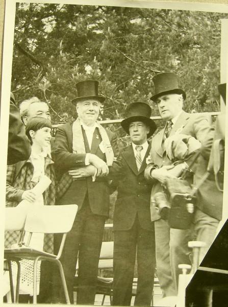 Григорий Пушкин второй справа 1977