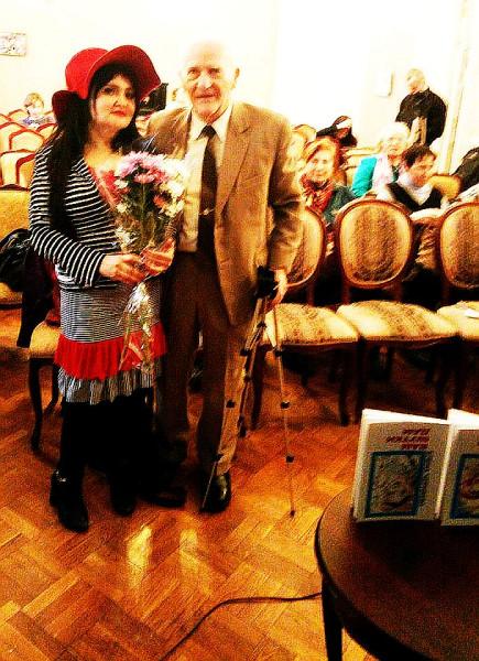 Егоров поздравляет Елену Черняеву 1 04 2019