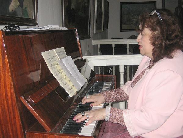 Валеева Алсу играет сент 2019