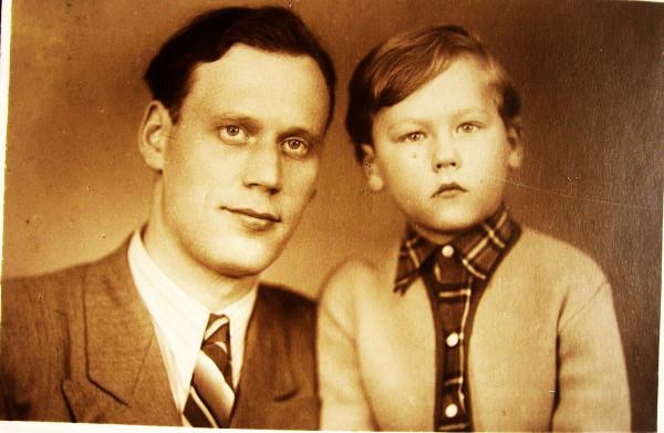 Герасимов Анатолий Васильевич с сыном Псков