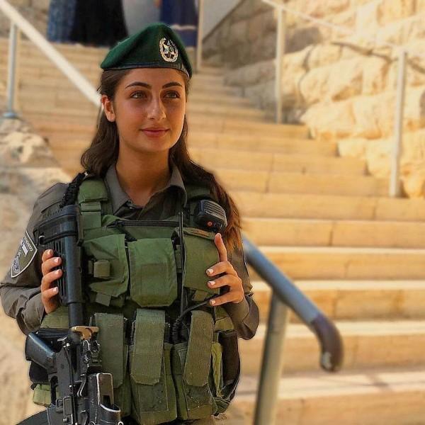 Красивые-девушки-израильской-армии-33