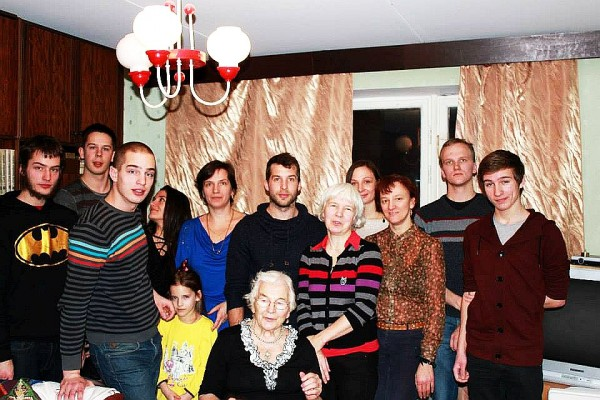 Малле Салупере в семье дочери Тиины Радионов 2013