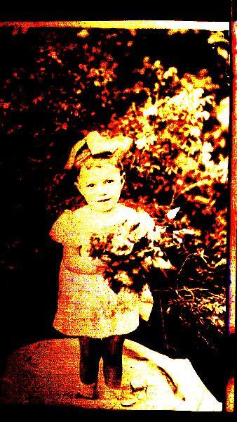 Хлебникова Генриэтта в детстве
