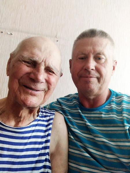 Клетнёв Павел Кузьмич (слева) Июнь 2021