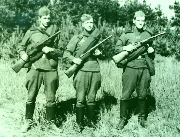 Геннадий Егоров справа 1958 год
