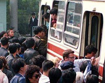 Давка у автобуса