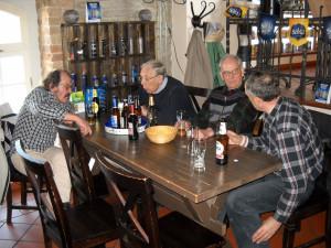 Эстонцы пьют пиво в 2011