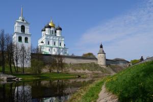 Вид Кремля от Псковы совр