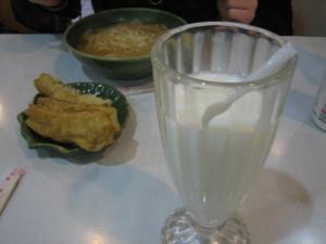 обед с молоком