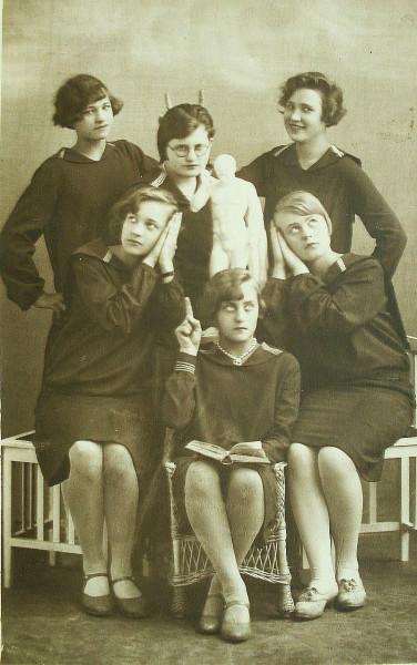 эстонские гимназистки 1929
