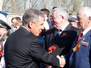 Рукопожатие президента