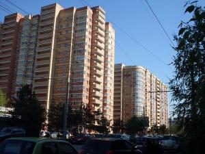 Новые дома на Адоратского