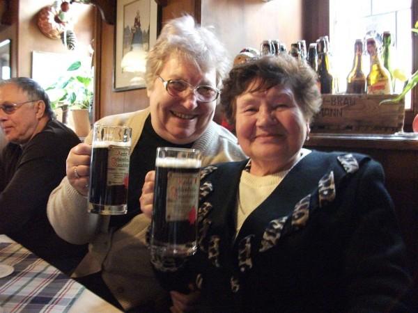 С пивом немецким